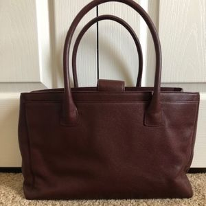 CHANEL Bags - [SOLD!] CHANEL Executive Cerf Tote
